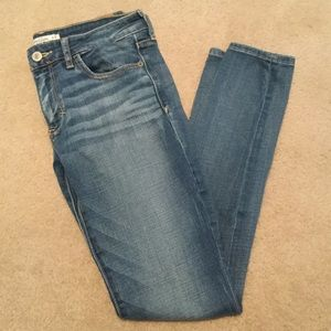 Abercrombie & Fitch skinny Jean- 4 short
